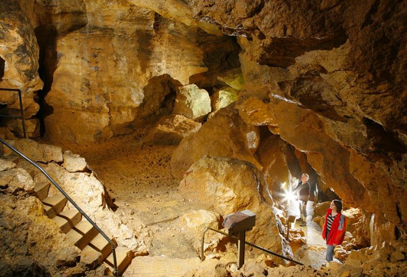 Die Laichinger Tiefenhöhle ist die einzige zur Schauhöhle ausgebaute - und so für die Öffentlichkeit zugängliche - Schachthöhle in Deutschland.